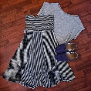 American Eagle blue and white striped skirt